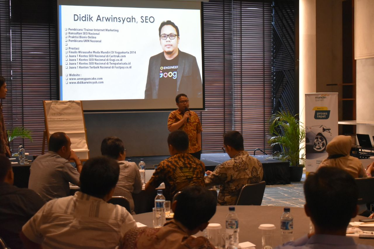 Seminar Internet Marketing Revolution di Bank Syariah Mandiri