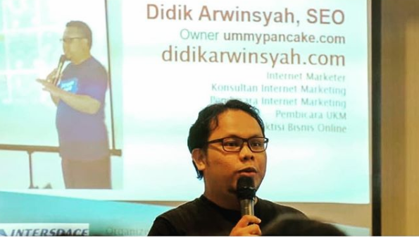 Trainer Digital Marketing Terbaik di Elelim