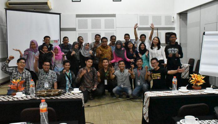 Seminar dan workshop dominasi google di hotel amaris